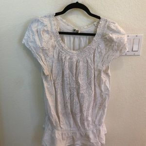 Short sleeved, elastic waist top